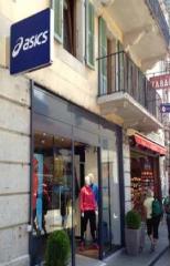 La boutique Asics à Chamonix