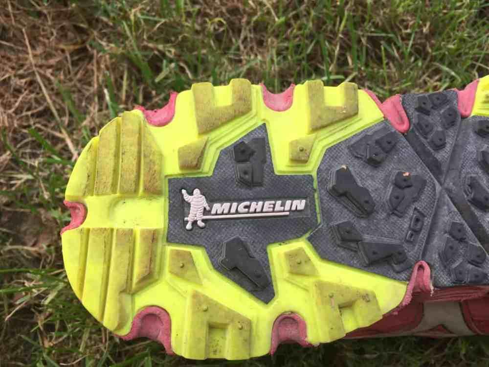 Mizuno Chaussures de Trail - semelle Michelin