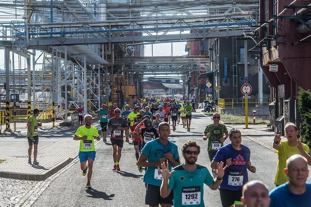 Semi marathon de Usti nad labem: traversée de l'usine