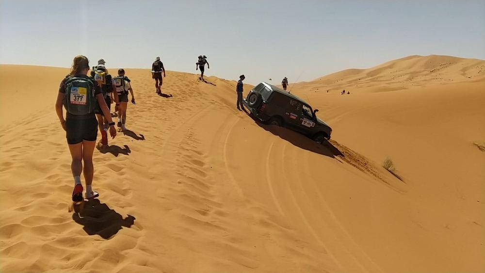 Au cœur des plus hautes dunes du désert marocain