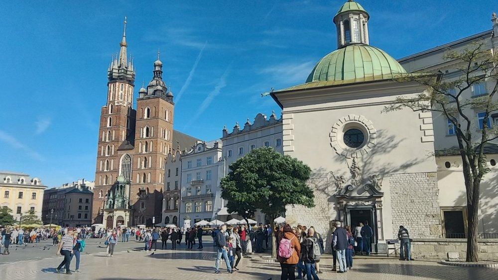 La Grand Place et la basilique Sainte Marie
