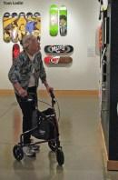 Lady-walker-skateboard1521
