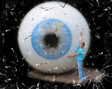 Cindy with eyeball shattered glass_pe