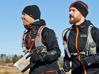 Jakob Lunøe og Torben Tronborg Beck på vej i Mols Bjerge. Foto: VUMB