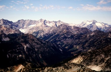 Entiat Mtns and Bonanza Peak From Pinnacle Mtn
