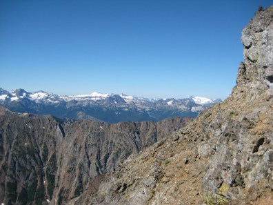 Ragged Ridge To Snowfield Peak Pano