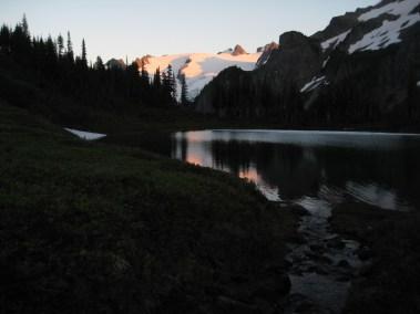 Alpenglow At Yang Yang Lakes