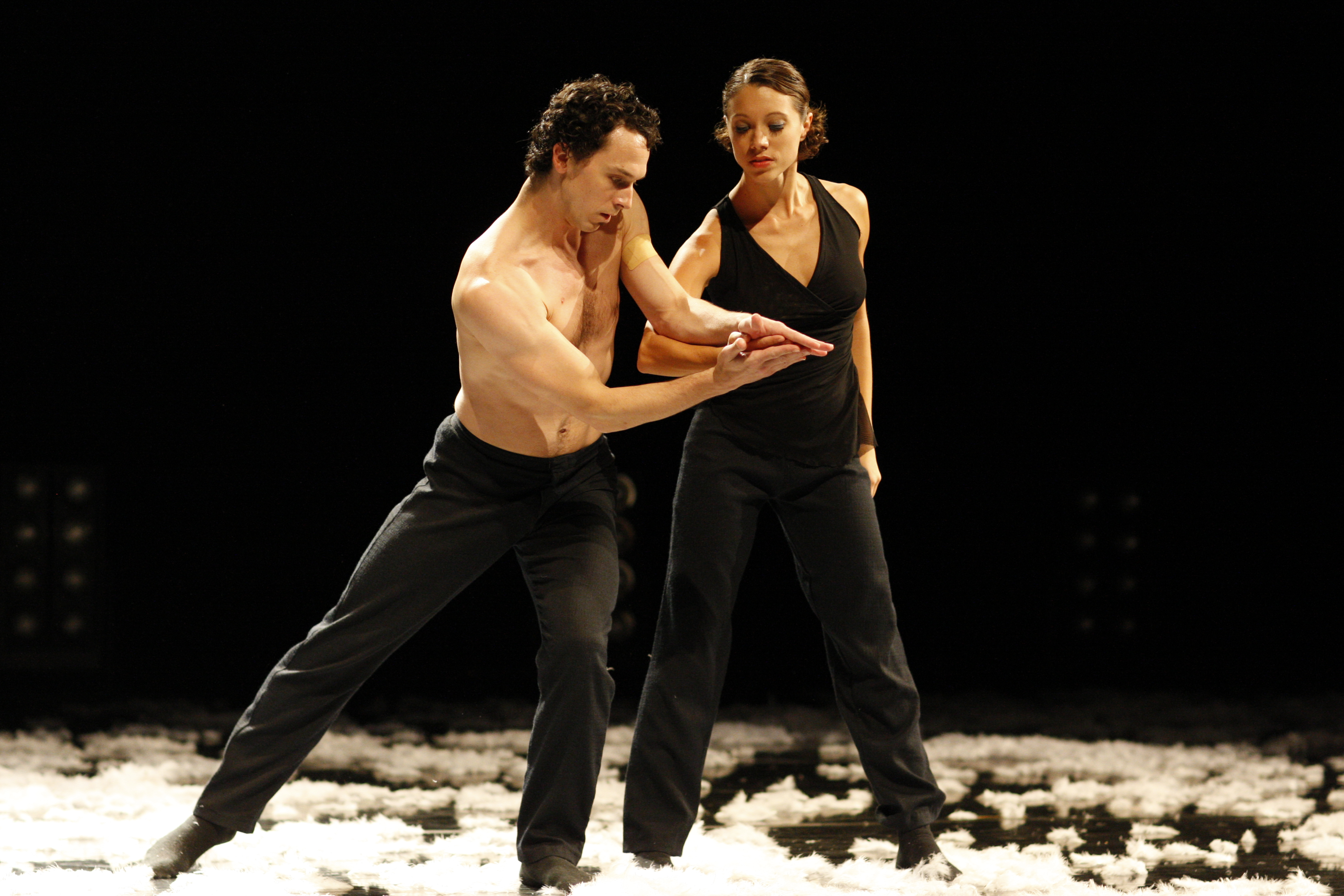 Terence Marling and Shannon Alvis in Extremely Close. Photo by Todd Rosenberg.