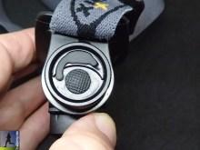 Schalter und Abdeckung des Micro-USB