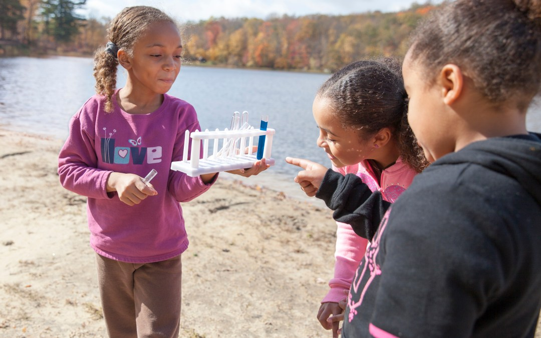 How Girl Scout STEM Programs Benefit Girls