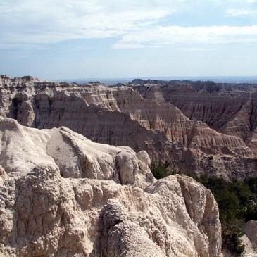 6 Best Day Hikes in Badlands National Park