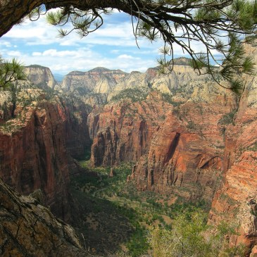10 Best Day Hikes in Zion National Park