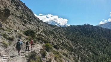 annapurna circuit trek trail race nepal-15