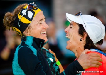 Nuria Picas & Uxue Fraile shae a laugh at the finish line in 2013.