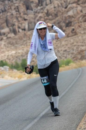 badwater-135-ultramarathon-ultra-trail-america-por-mayayo-ultrarunning-foto-adventure-corps-23