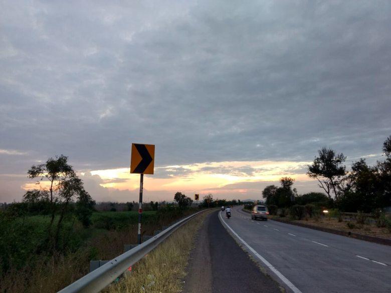 Sunset En Route Pune