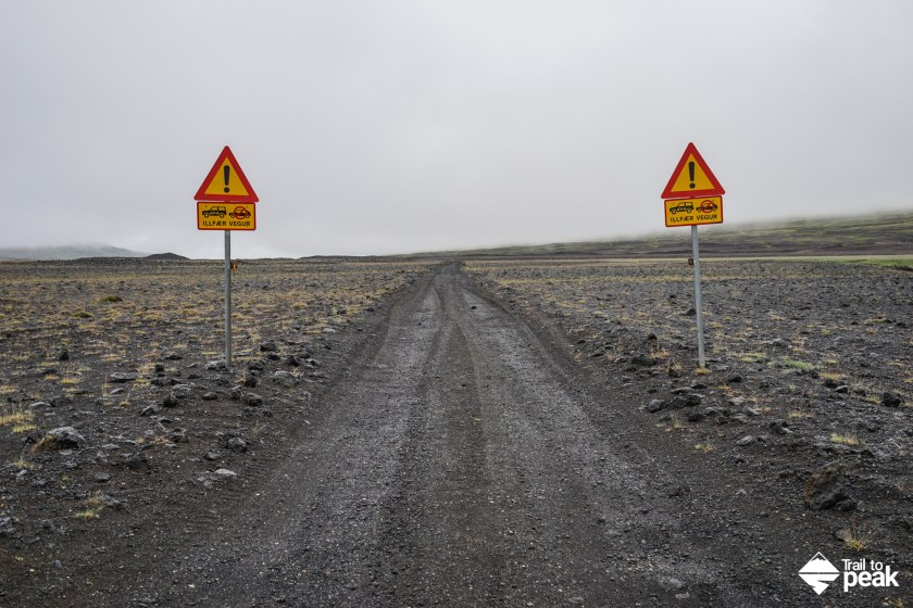 Driving Iceland's Golden Circle Gjáin