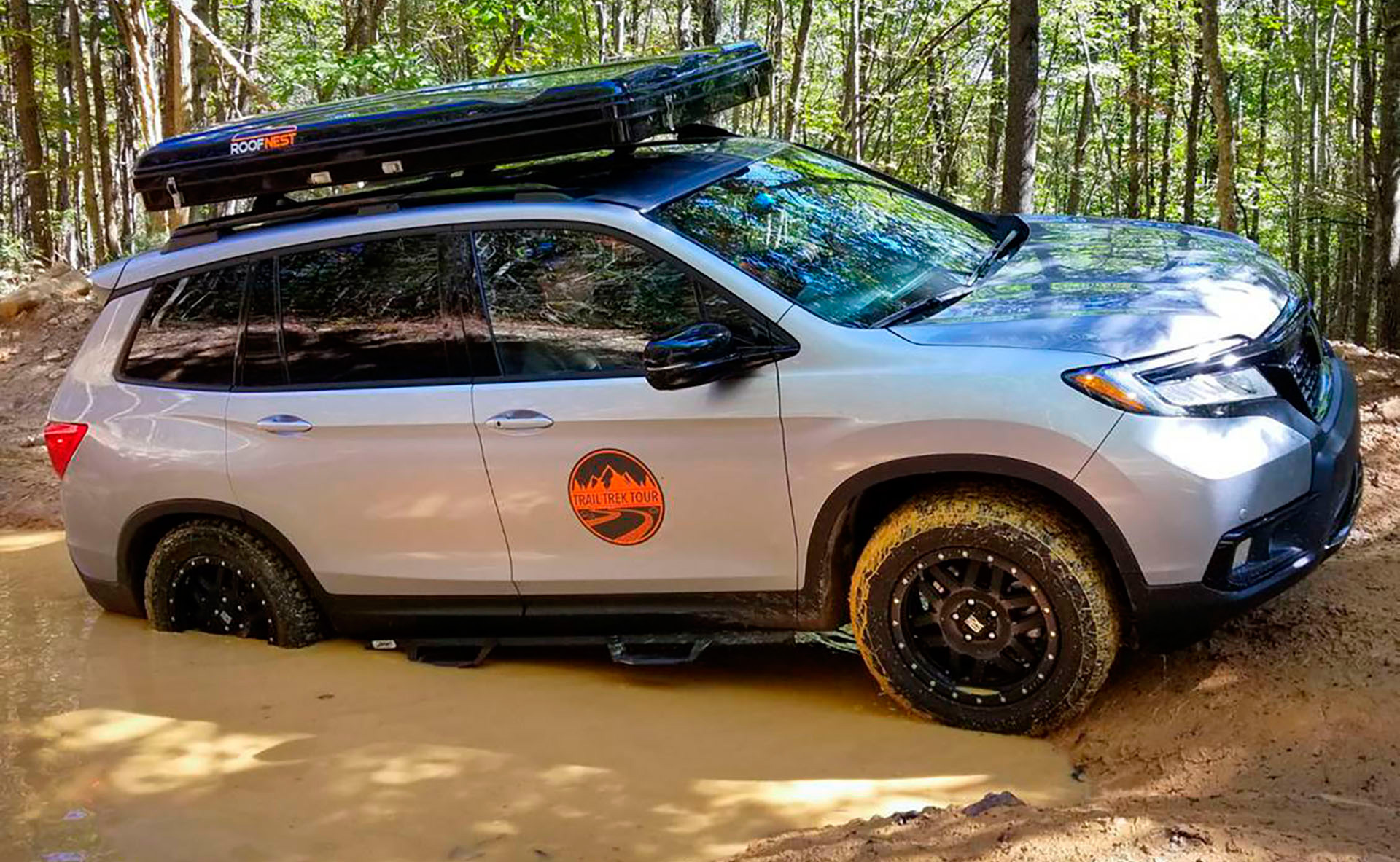 Driving Line : Want to Take Your Crossover SUV Off-Roading? Try These 5 Upgrades