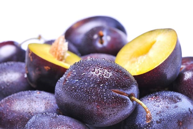 Plums prunes superfood