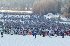 Bild tagen från http://fasterskier.com/article/brink-and-skofterud-win-vassaloppet-with-record-times/