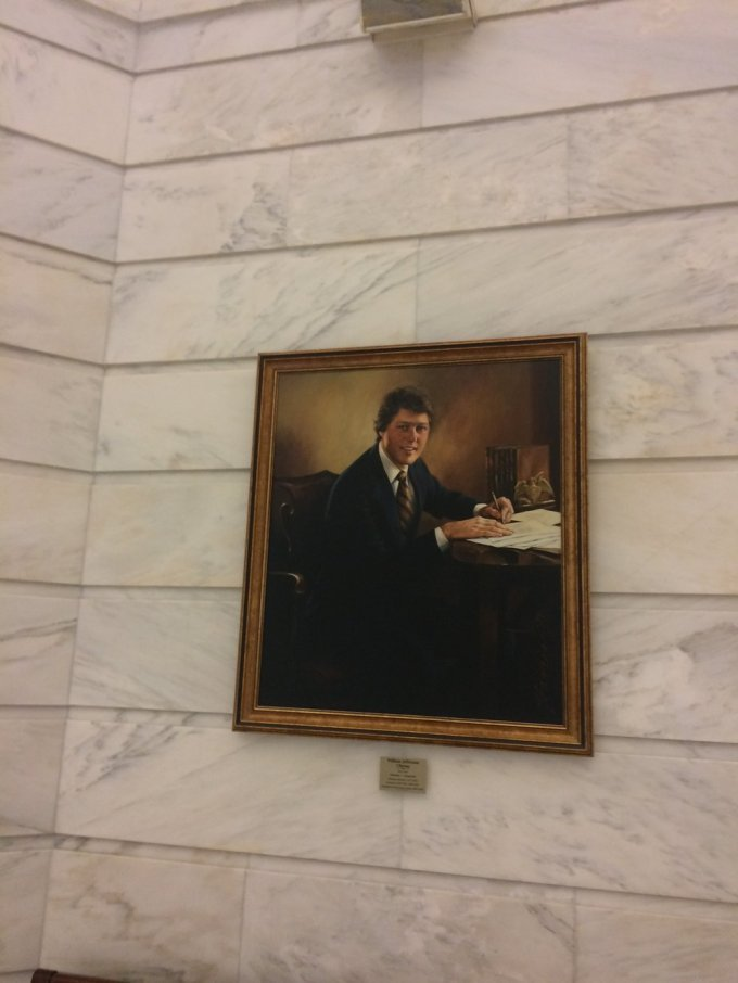Clinton's portrait in the Arkansas Capitol Building         Photo by B. WIng