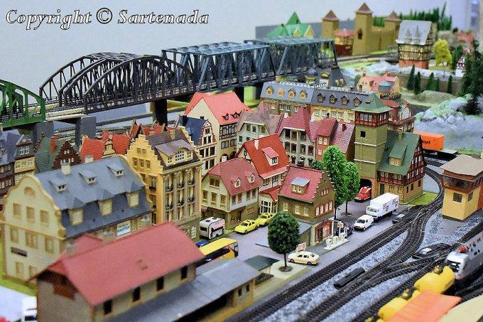 2_Exposition of_Alpine_Model_Railroad_Nikon (2).JPG