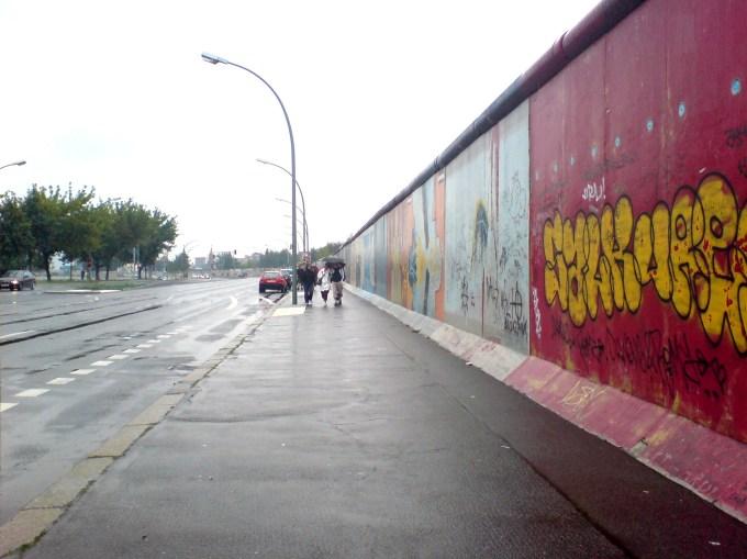 Berlin_Wall_(13-8-2006).jpg
