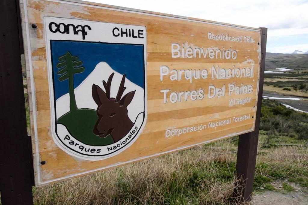 panneau parc national torres del paine chili patagonie