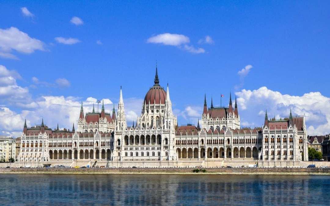 El Parlamento de Budapest en imágenes