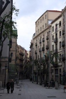 Old Barcelona. Into the city jungle!