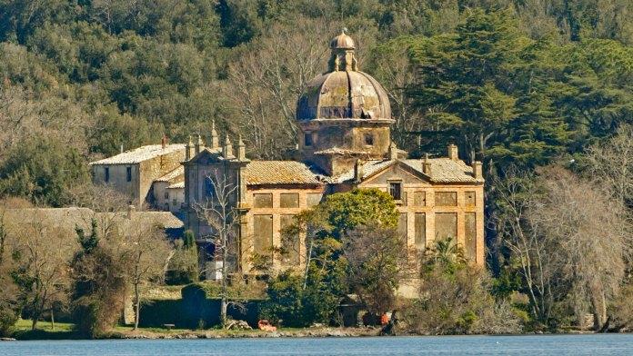 Cosa vedere lago di Bolsena isola Bisentina