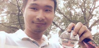 Chụp ké với huy chương FINISHER của a Đặng Ngọc Lâm trong giải Iron Main 70.3 vừa diễn ra tại Đà Nẵng tháng 5 vừa rồi. Đi offline với những người đã đăng ký một giải chạy bộ là một trong những động lực để bạn vươn lên