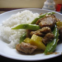 Pork Curry with Pineapple and Snow Peas ^^