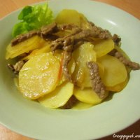 Stir-fried Sliced Potatoes with Beef and Tomatoes
