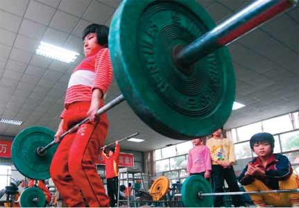 I Kina får barnen börja styrketräna väldigt tidigt