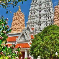 「ワット ヤンサンワララーム(Wat Yannasangwararam)」~パタヤ南部 湖畔の丘陵に佇むお寺のテーマパーク!!