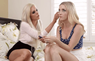 Mom And Daughter – Lesbian Scene
