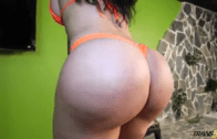 Look That Ass – Tranny Big Booty fuck By Ramon