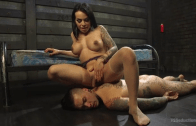 TS Foxxy's Dungeon Pain Slave