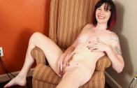 Grooby Girls – Try Out Tuesday: Elizabeth Luxure!