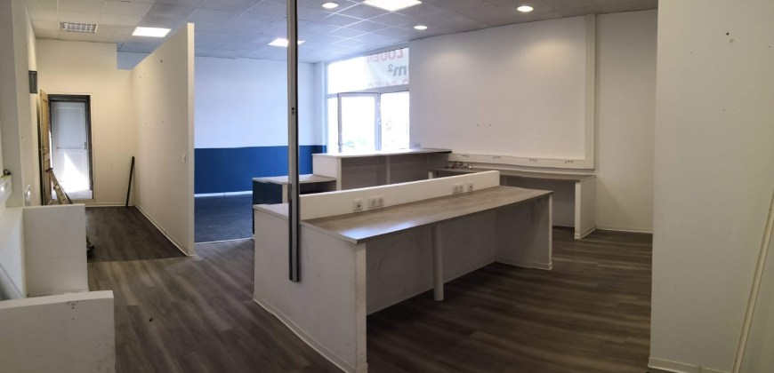 LOCATION – LOCAL COMMERCIAL 100m² AXE PASSANT – GREASQUE