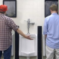 """STEVE'S PROBLEM"": A short-film about peeing in public by American film-maker Mike Lars White - Interview and film here!"