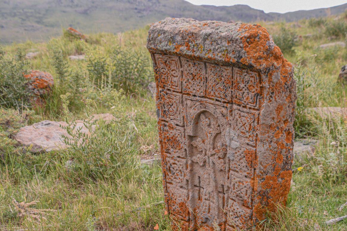 Khachkars in Mayradurk, or Maratuz – © Tsovinar Hakobyan