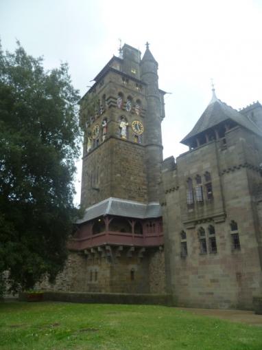 Cardiff Castle Castell Caerdydd Transceltic Home Of The Celtic Nations