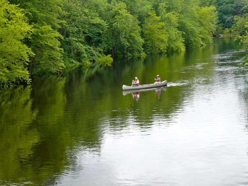 Boating on the Concord River. Photograph by Barry M. Andrews.