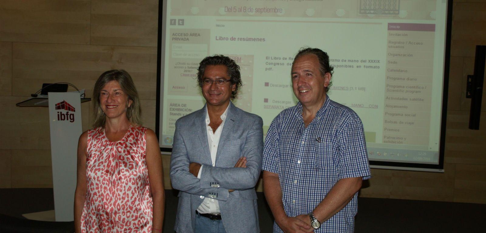 De izquierda a derecha Ángeles Almeida, Juan Pedro Bolaños y Emilio Fernández