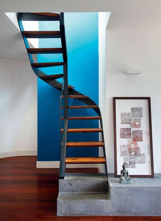 Escada interna curva ou circular