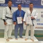 Trei sătmăreni pe podium la Campionatele Naționale de Judo veterani ( de la stânga la dreapta: Vasile Fușle - argint,   Attila Pelcz-aur și Attila Gergley-argint)