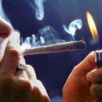 Tineri arestaţi pentru trafic şi consum de droguri