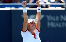 Simona Halep a trecut pentru prima oară în carieră de Venus Williams,   scor 6-2,   6-1,   și va lupta pentru un loc în semifinalele turneului de la Roma cu Alexandra Dulgheru